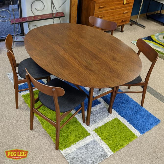 Mid-Century Modern walnut drop-leaf dining table
