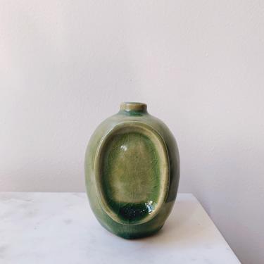 Small Edith Vase in Green // handmade ceramic vase by mammothandminnow