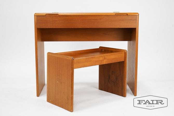 Nordisk Andels-Eksport Flip Top Vanity and Bench