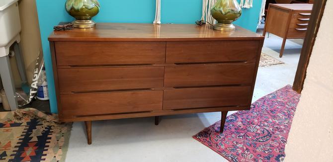 Mid-Mod Walnut Six-Drawer Dresser