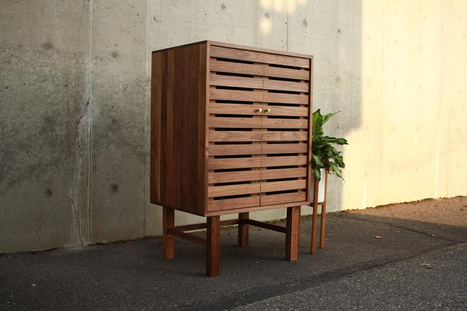 Fulton Bookcase, Modern Cabinet Bookcase, Tall Cabinet with Slats, Wood Cabinet with Tall Legs (Shown in Walnut) by TomfooleryWood