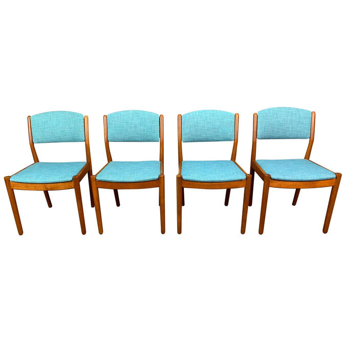Set of Four Vintage Danish Mid Century Modern Oak Dining Chairs by Poul Volther by AymerickModern