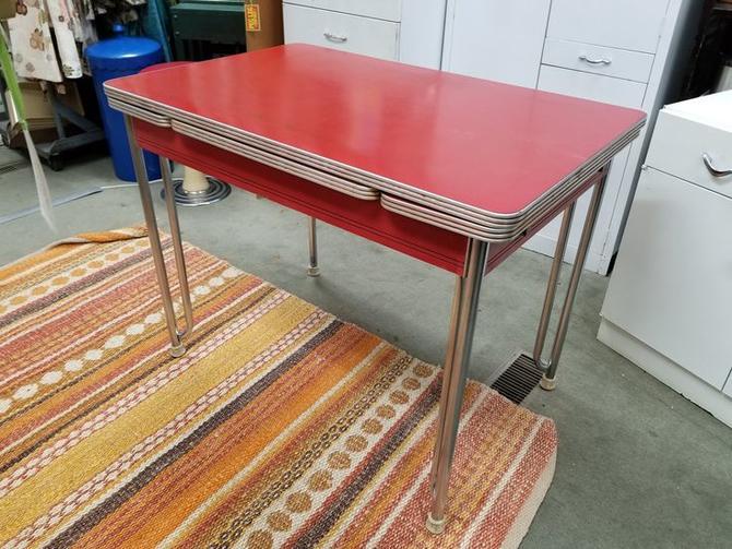 Mid-Century expanding kitchen table
