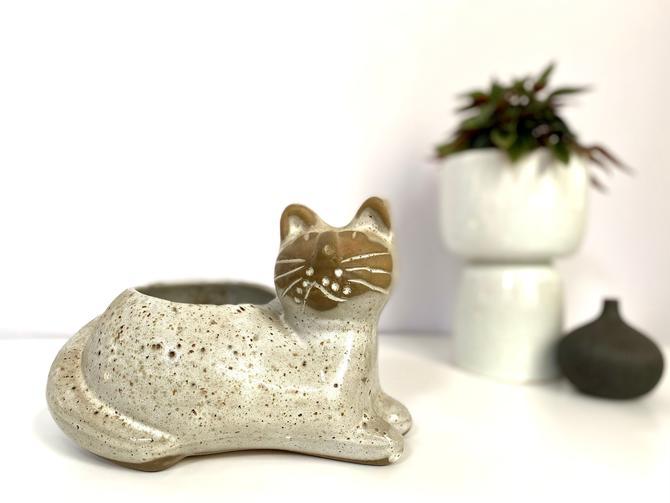 Vintage David Stewart Stoneware Cat Planter | Lion's Valley Stoneware Company of California by TheBrassFig
