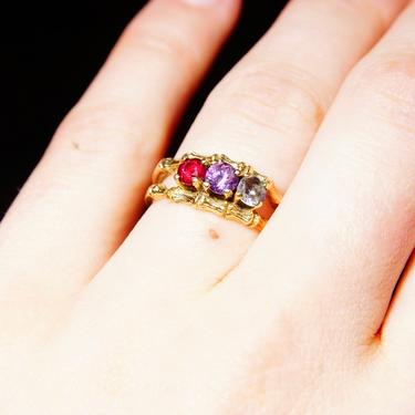Vintage 10K Gold Bamboo Multi-Stone Ring, Faceted Red Purple & Blue Gemstones, Split Yellow Gold Band, 3-Stone Inline Setting, Size 7 1/2 US by shopGoodsVintage