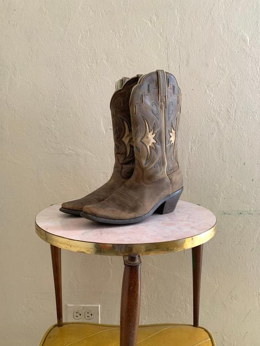 vintage leather distressed cowboy boots // size 9 boots by HarlowsVintage