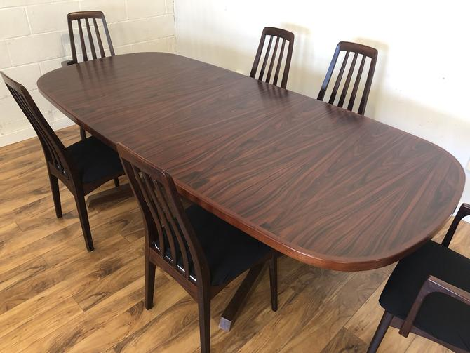 Gudme Rosewood Dining Table & 6 Chairs