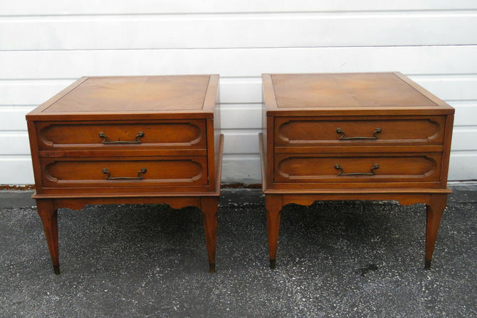 Mid Century Modern Pair of Nightstands Side End Tables 1265