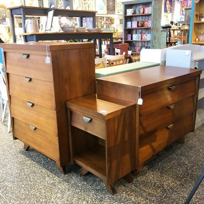 Gorgeous MCM Dresser, Chest of Drawers, and Nightstand