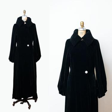 1930s Black Velvet Coat / 30s Opera Coat FOGA Fashion Originators Guild by FemaleHysteria