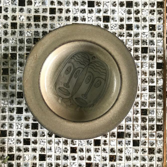 Edwin Scheier Pottery Dish Bowl Plate Vintage Mid-Century Modern Love Face by CabinModernist