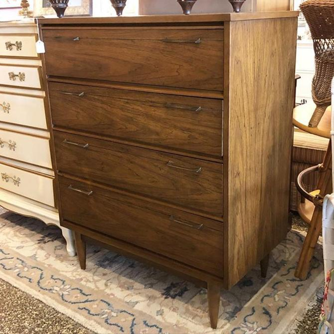 MidCentury Chest of Drawers!