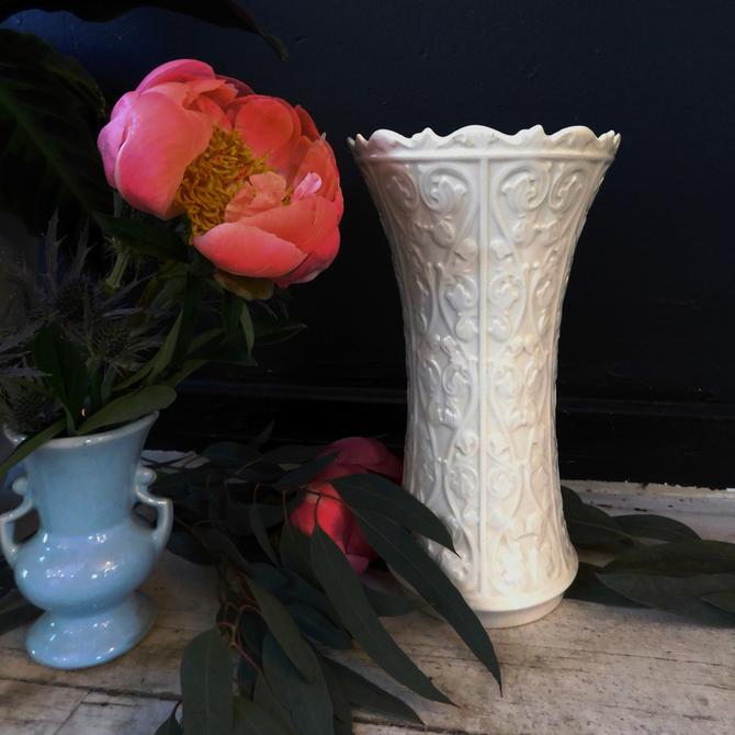 Porcelain Folk Vase