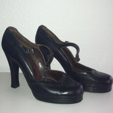 Vtg 60s Mary Janes Black Platforms Heels XS size 5 by GraveyardVintage