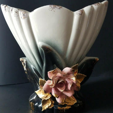 Vintage Mid Century Accent  Flower Atomic Lamp by GraveyardVintage