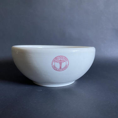 Vintage US Army Medical Department Bowl from Syracuse China, dated 1942 by theHeirloomYard