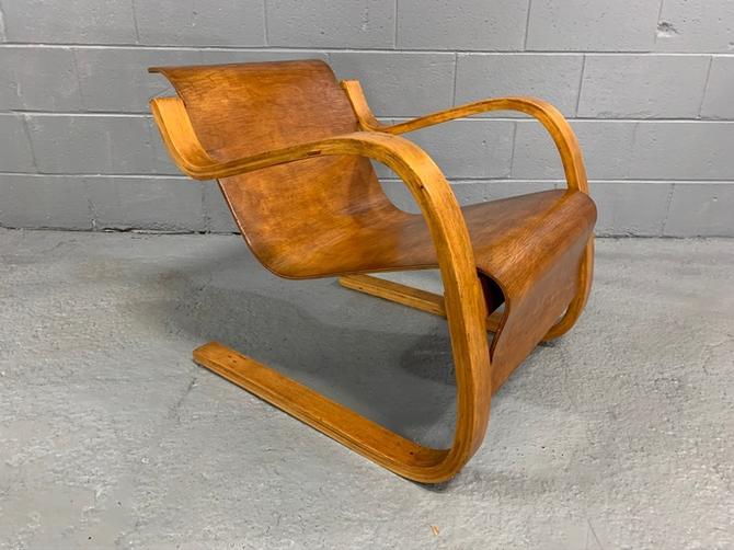 Rare Scandinavian Finnish Cantilevered Lounge Arm Chair Model 31/42 in Birch by Alvar Aalto for Artek, 1931.