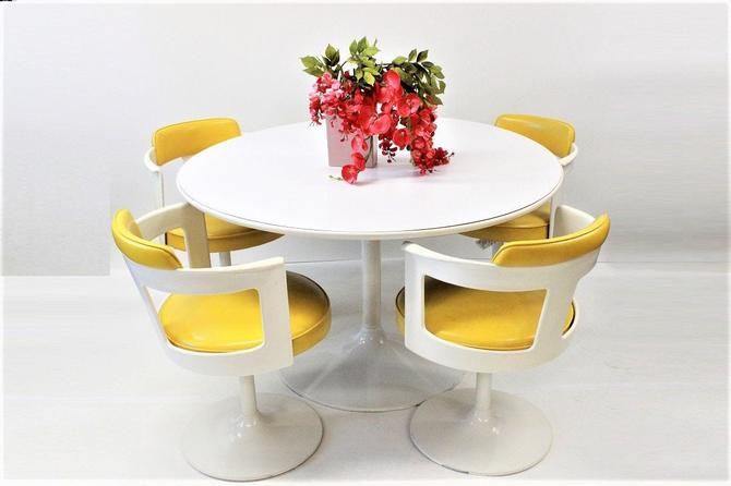 Mid Century Modern dining set tulip base table and chairs by Daystrom | Gre-Stuff.com by GreStuff