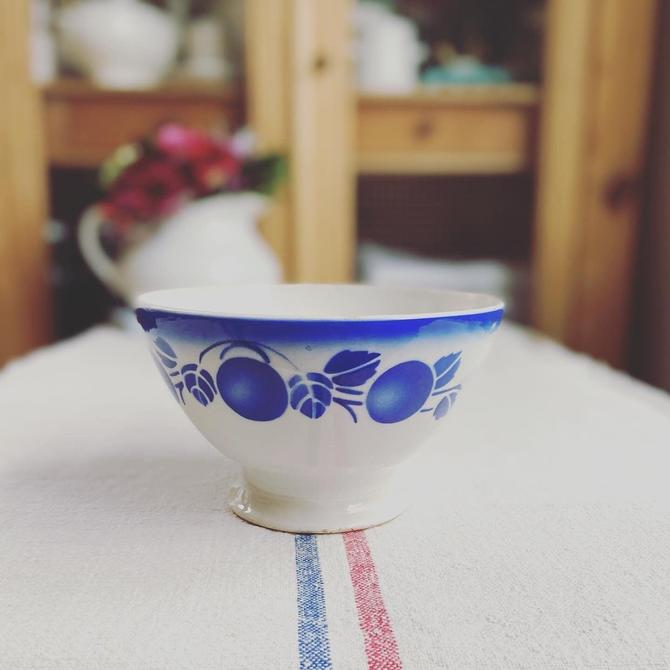 Beautiful rare find vintage French ironstone cafe au lait  bowl- CBB by Grainsacfrenchvintag