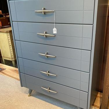 """Stunning gray painted mid century chest of drawers. 5 drawers. 31"""" x 16"""" x 42.5"""""""