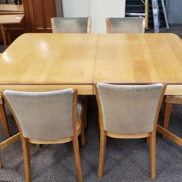 Item #RR1 Vintage Extending Maple Dining Table w/ Six Chairs