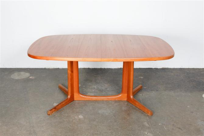 dining table 1469
