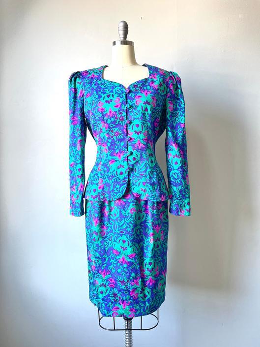 1980s Silk Suit Printed Skirt Jacket S by dejavintageboutique