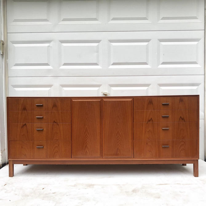 Scandinavian Modern Teak Sideboard by Vamo Sonderborg by secondhandstory