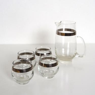 vintage Dorothy Thorpe style glass pitcher and 4 matching glasses with silver rims by fingerlickingvintage