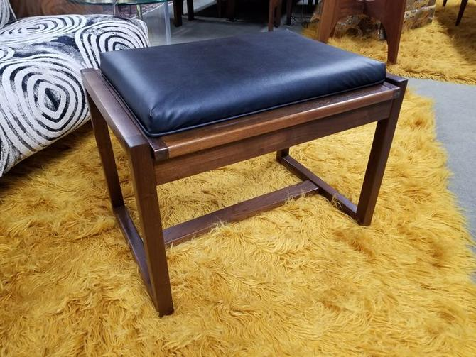 Mid-Century Modern flip top side table / ottoman