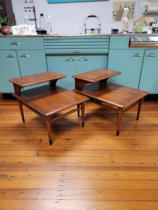 Lane Acclaim Pair of Side Tables