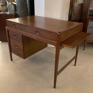 Mid Century Modern Extension Desk By John Van Koert For Drexel