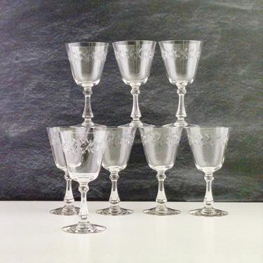 Set of 4 Cambridge Laurel Wreath Water Goblets, Mid Century Vintage Drinkware, Cut Glass Stemmed Water Glasses, 1940s 1950s Vintage Barware by PebbleCreekGoods