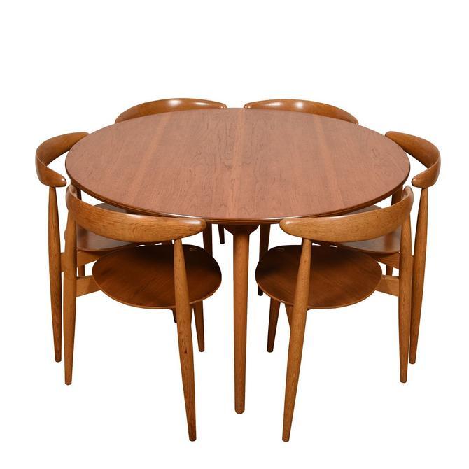 Hans Wegner 3-Legged Set of 6  Heart Chairs & Matching Table for Fritz Hansen