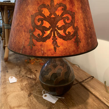 Vintage Arts and Crafts Metal Table Lamp with Mica Shade by coloniaantiques