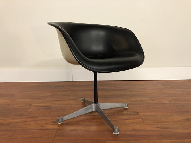 La Fonda Chair by Ray and Charles Eames for Herman Miller by Vintagefurnitureetc