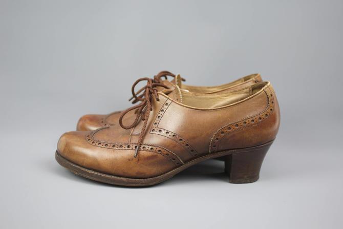 0963c1333d8 Vintage 70  39 s Brown Leather Spectator Heels   Oxford   Saddle ...