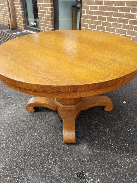 Round Oak Table - Stella