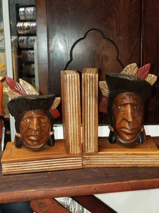 Pair of hand carved Native American Bookends c.1920s by MOBvintage