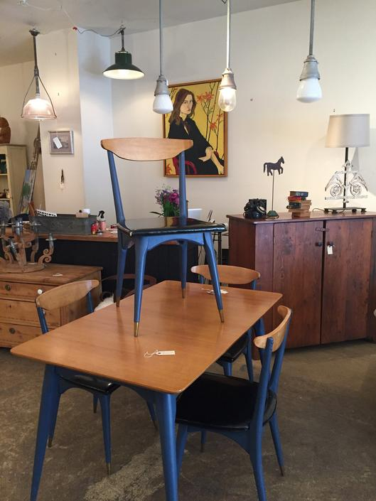 SOLD Mid Century Dining Table and Chairs SET by coloniaantiques