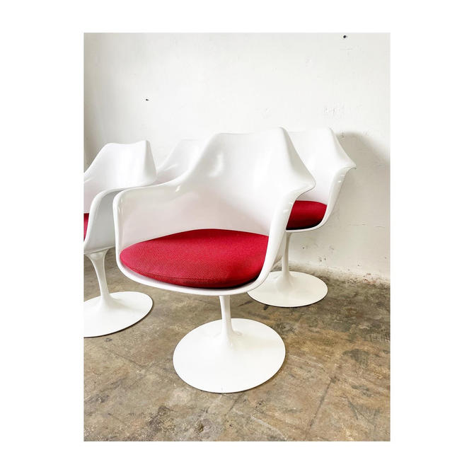 Original Knoll Tulip Chair by FlipAtik