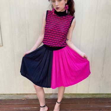 "Vintage 80s Color block High waist Flared Full circle Pleated Hot pink Black Midi skirt xs s waist 24"" 25"" 26"" by prismavintageatx"