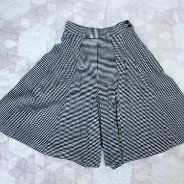80s Black Checkered Wool Silk Blend Shorts Culottes Wide Leg High Waist Size M by NoSurrenderVintage