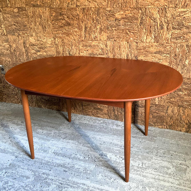 HA-19016 Danish Teak Dining Table with Two Leaves