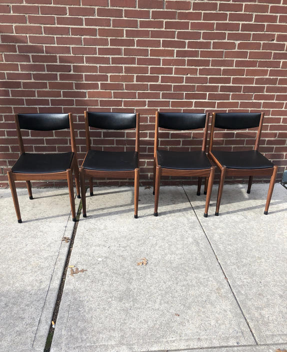 Røjle Danish Modern Dining Chairs Set of 4 - Mint condition by bcdrygoods
