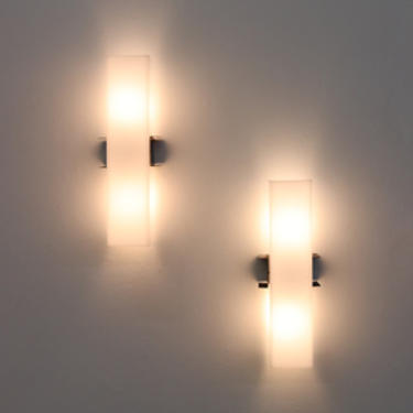 Mid-Century Linear Acrylic and Enameled Metal Sconce
