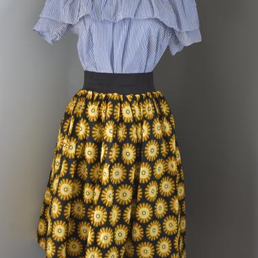 Ankara knee-length skirt with invisible pockets (Daisy print) by GLAMMfashions