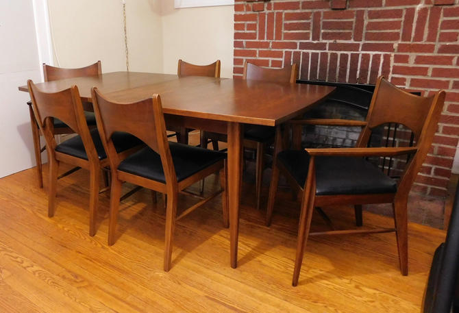 Mid Century Modern Broyhill Saga Walnut Dining Table & 6 Chairs (PureVintageNYC) by PureVintageNYC