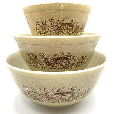 Pyrex Forest Fancies Nesting Bowls, Set of 3, Mixing Bowl, Nos. 401, 402, 403, Mushroom, Mushrooms, Vintage Bowl, Retro Kitchen Bakeware by TripodVintage