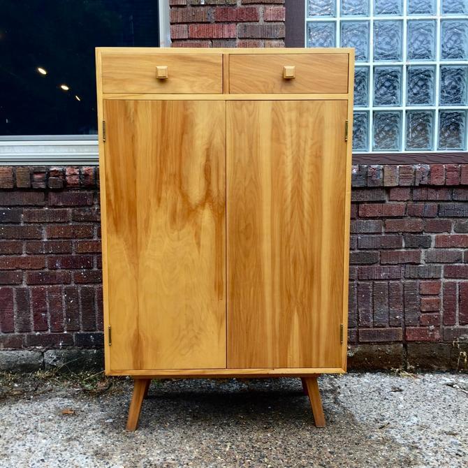 FUNKY Vintage Cabinet